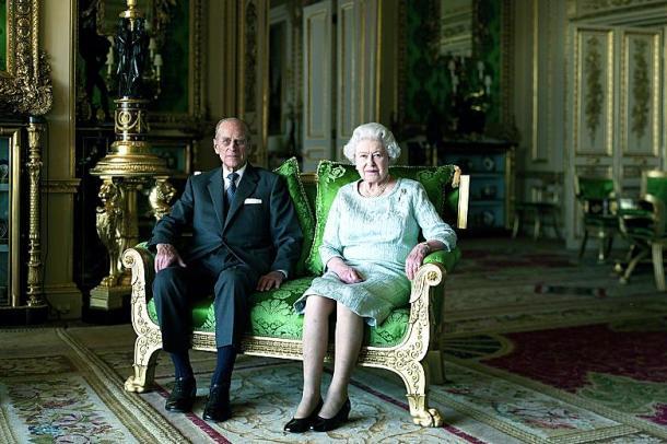 Cosa accadrebbe se ci trovassimo all'improvviso senza la Regina Elisabetta?