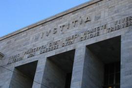Non solo il Tribunale di Milano: basta poco per ammazzare un politico
